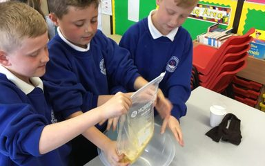 HANDS ON SCIENCE!
